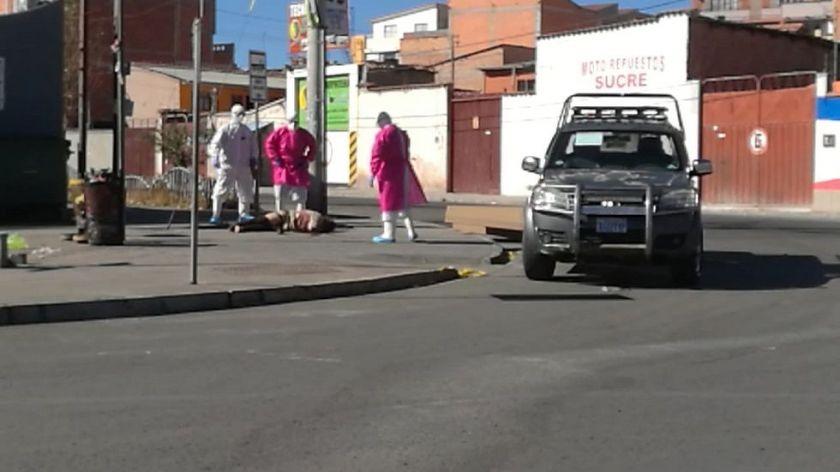 Un cadáver permaneció más de seis horas en una vía pública de Sucre