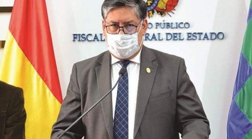 """Abogado León denuncia que Lanchipa """"se equivocó a propósito"""""""