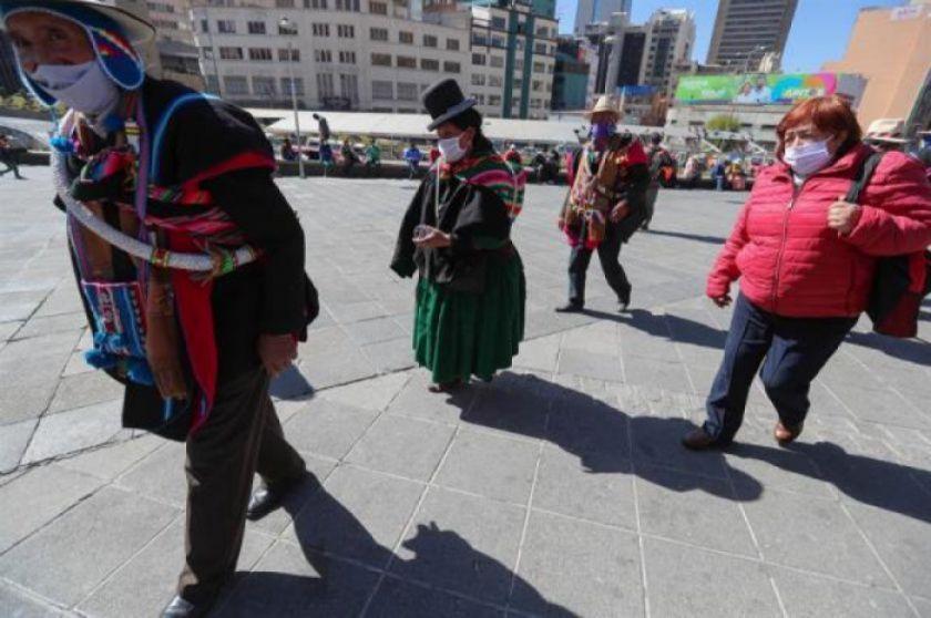 """Jefe de Epidemiología alerta que Bolivia """"está yendo peligrosamente a una pandemia explosiva"""""""