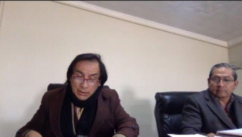 Vocal Choquevillque vota a favor del alcalde Luis Alberto López