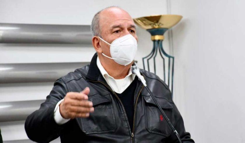 """Murillo instruye denunciar alzamiento armado tras """"amenazas"""", apunta a Loza"""