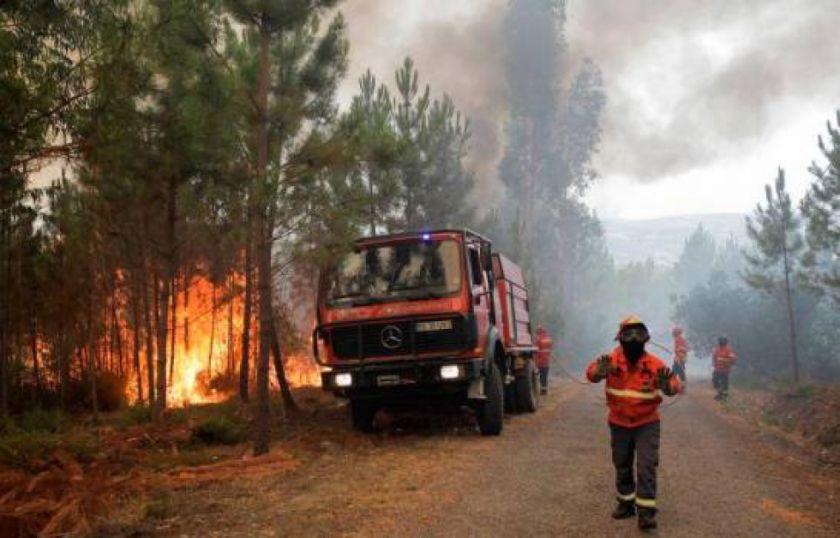 Muere un bombero en labores para sofocar un incendio en Portugal