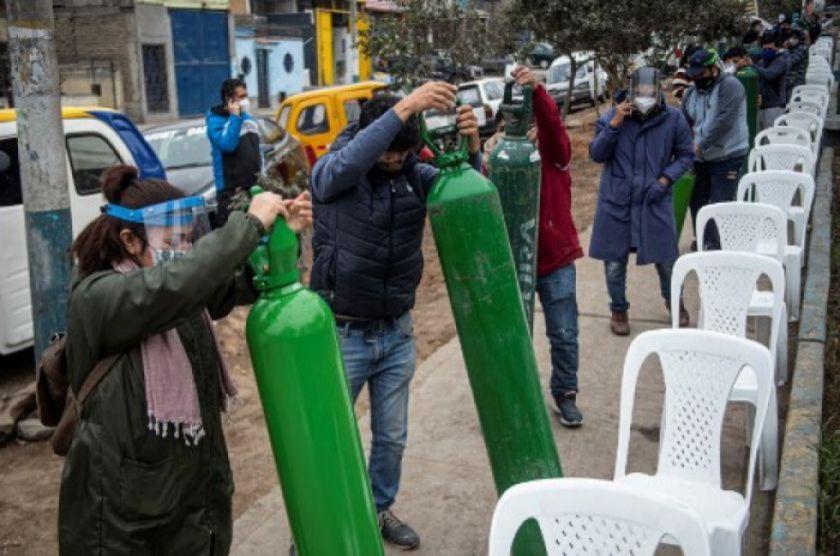 La falta de oxígeno aumenta pesares de los peruanos