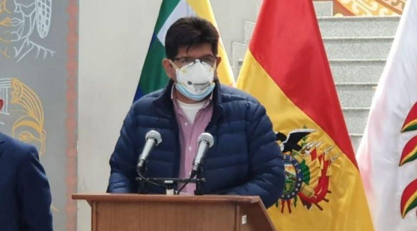 Gobierno consulta sobre ley que obliga a clínicas privadas atender pacientes con coronavirus