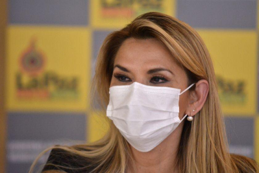 Jeanine Áñez reitera pedido de destrabar créditos para el Bono Salud