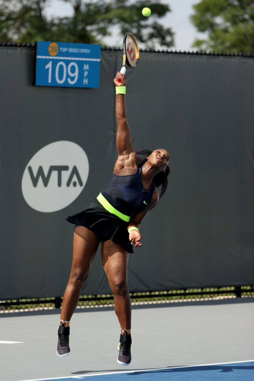 Serena Williams regresa con victoria en torneo WTA de Lexington