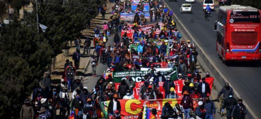 Llaman a diálogo, movilizados condicionan y radicales llaman a cabildo