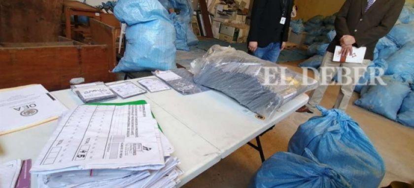Hallan papeletas marcadas y material electoral apilado  que demostraría el fraude de 2019