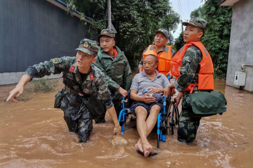 Evacuan a cerca de 100.000 personas por inundaciones en suroeste de China