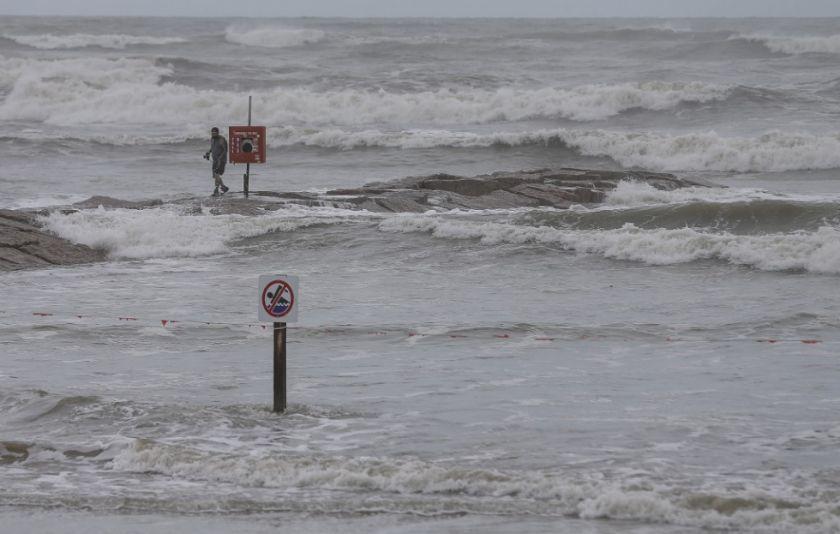 """Poderoso huracán Laura amenaza costas de EEUU con """"catastróficas"""" consecuencias"""