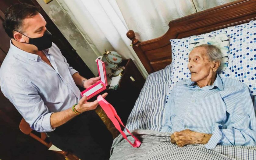 Uno de los últimos Héroes del Chaco, 107 años de edad,  fue condecorado