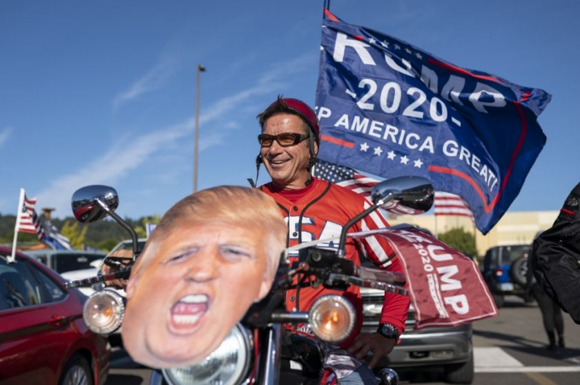 Choques entre antirracistas y seguidores de Trump dejan a una persona fallecida