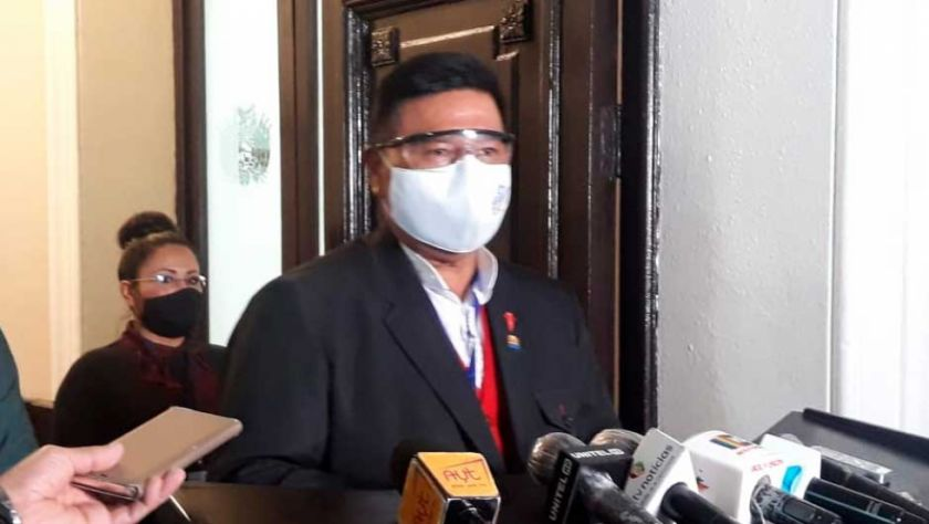Sergio Choque dice que la Presidenta Áñez actúa como candidata