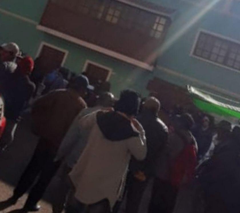 Comunarios de Siporo se movilizan en Betanzos