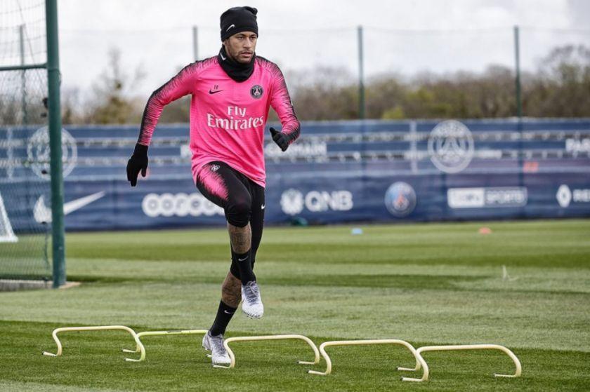 Neymar anuncia su regreso a los entrenamientos
