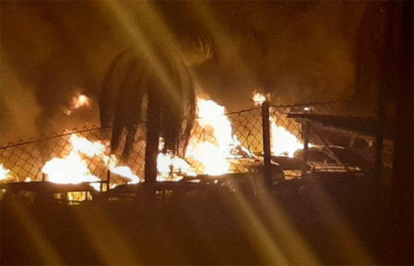 Aduana denuncia la  quema de 18 autos en incendio en zofra franca de Cobija