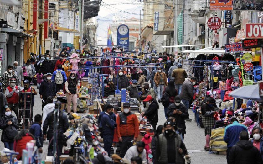 Bolivia podría ingresar al descenso de casos, pero preocupa la falta de autocuidado, según el Ministerio de Salud