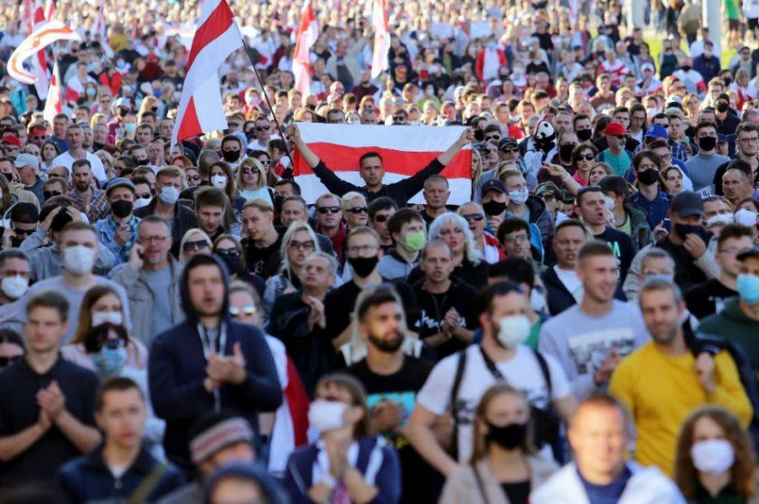 Vuelven las protestas a Bielorrusia a pesar de a represión policial