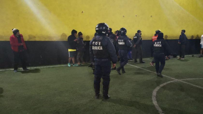 Intervienen complejo deportivo y arrestan a todos los jugadores en Potosí