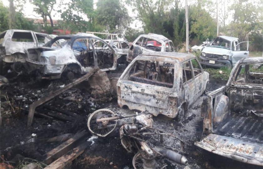 Gobierno anuncia sanciones contra autores del incendio policial en Puerto Suárez