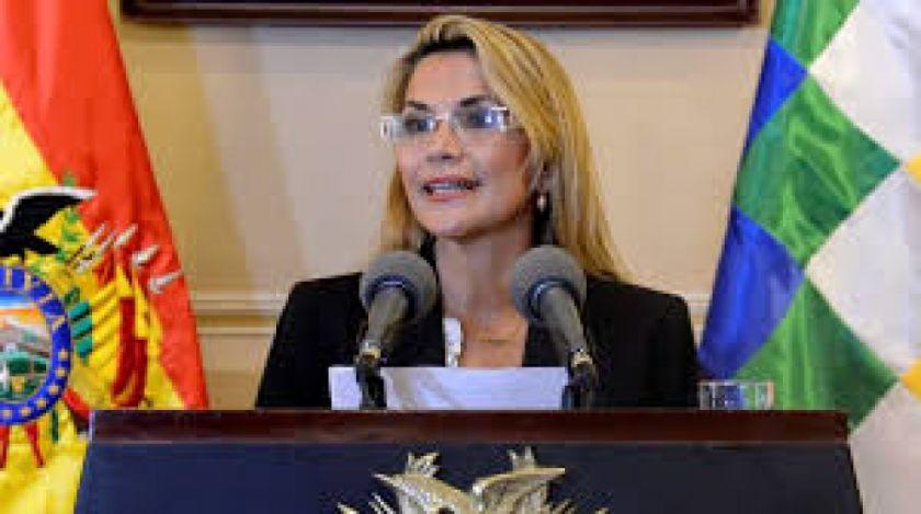 """Jeanine Áñez votará por el candidato """"que quieran todos los bolivianos"""""""