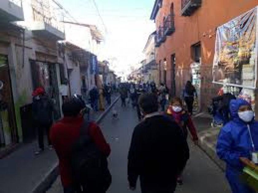 Postconfinamiento en Bolivia: se amplía horario de circulación hasta la medianoche de lunes a domingo