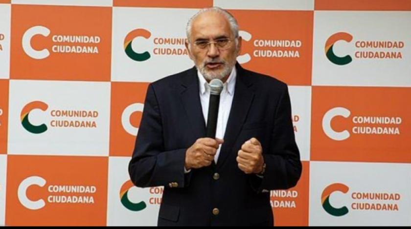 Carlos Mesa declina invitación de Luis Fernando Camacho a debatir