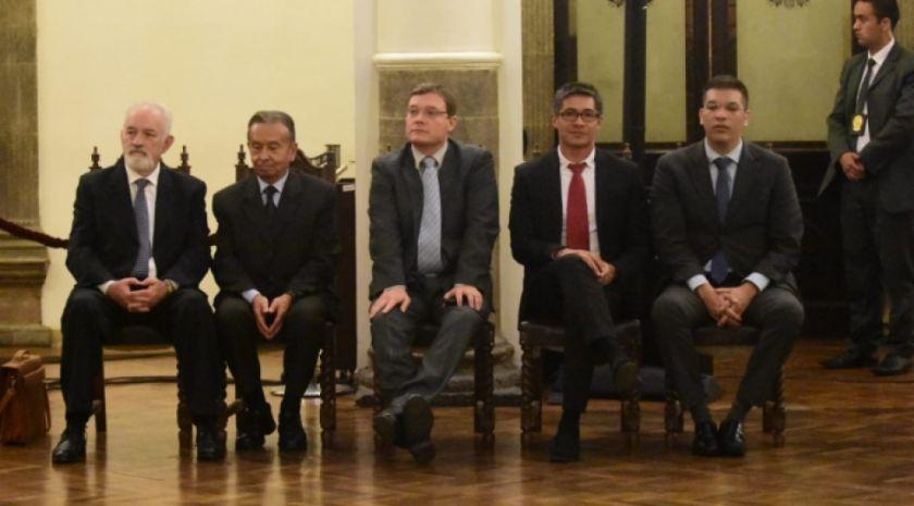 Los cuatro directores del Banco Central renunciaron a sus cargos