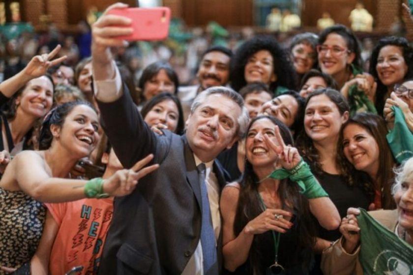 Presidente argentino presentará proyecto de ley para legalizar el aborto