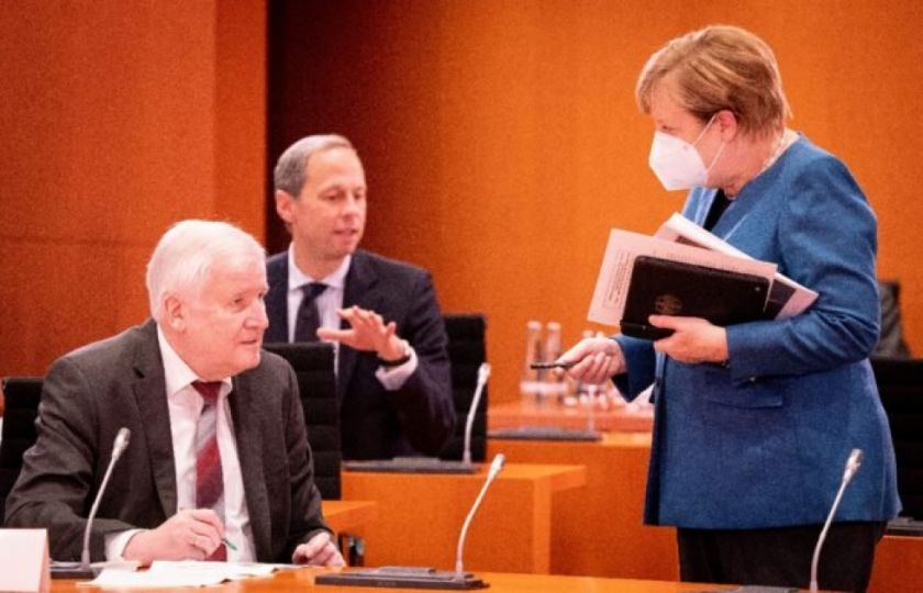 Francia y Alemania endurecen medidas ante segunda ola de covid-19 en Europa