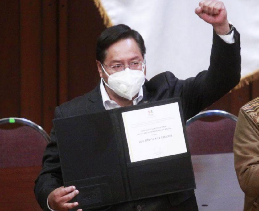 Luis Arce recibe credencial de presidente electo  de Bolivia