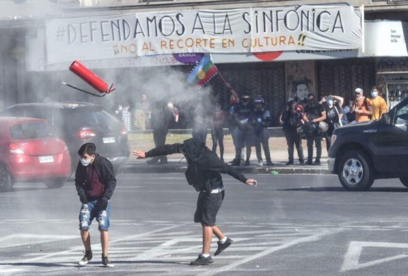 Reportan incidentes en el centro de Santiago de Chile tras aprobación de cambio de Constitución