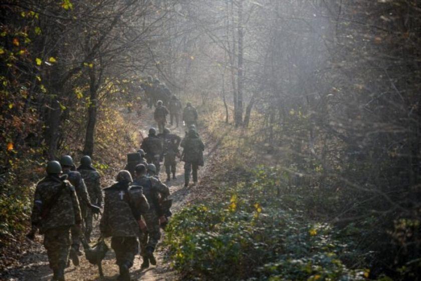 Azerbaiyán y Armenia acuerdan poner fin a combates