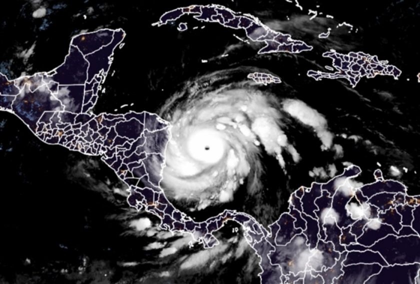 Iota llega a Nicaragua como huracán de máxima categoría
