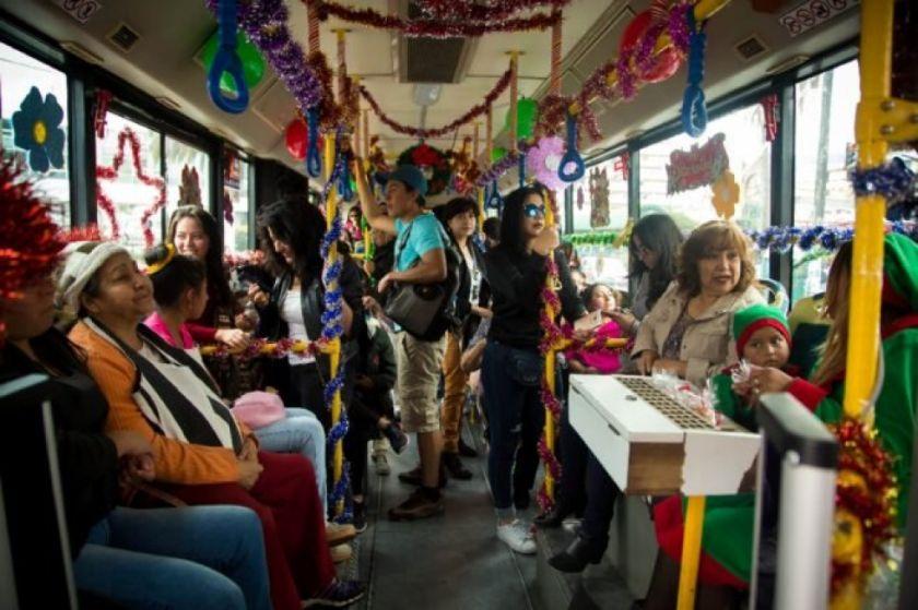 Ecuador exhorta a población a celebrar de forma virtual Navidad y Año Nuevo