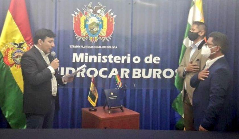 Hidrocarburos posesiona a dos viceministros encargados de consolidar la industrialización del litio y fortalecer la exploración