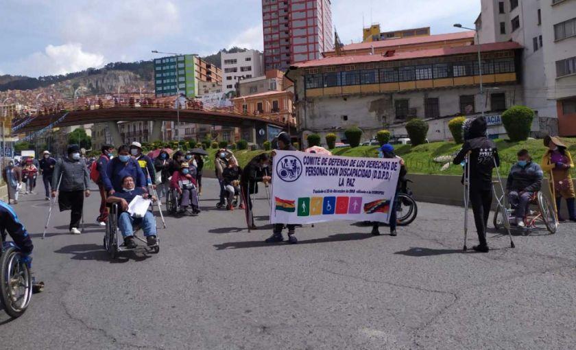 Personas con discapacidad marchan, piden ampliar beneficiarios del Bono Contra el Hambre