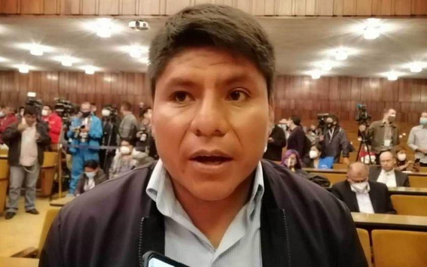 """Loza dice que se debatirá propuesta de impuesto a cocaleros: """"nunca nos hemos corrido"""""""