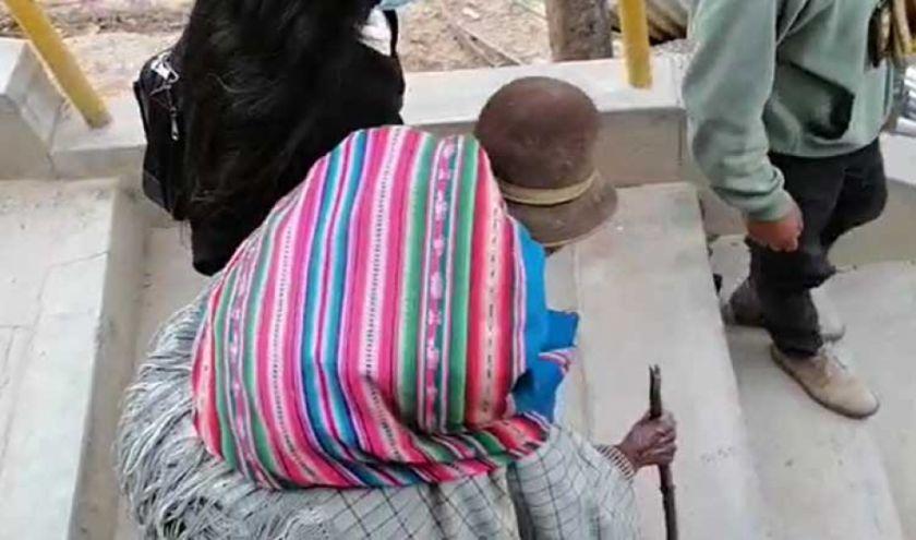 La Paz: Policía rescata a anciana que era retenida para quitarle sus bienes