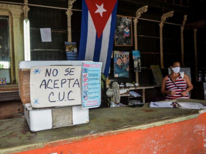 """Cubanos llegan con """"susto"""" al 2021 por el inicio de una fuerte reforma económica"""