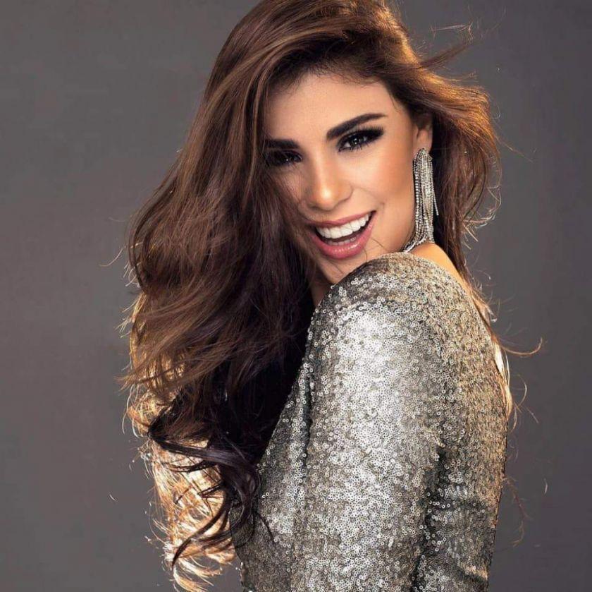 La Miss Bolivia Universo Lenka Nemer llega a Potosí