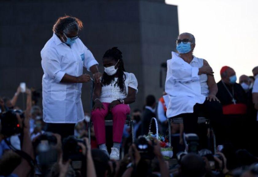 Brasil y Rusia lanzan vacunación masiva contra el covid