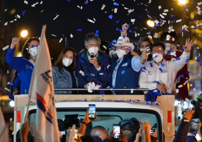 Ecuador, entre la derecha conservadora y el regreso de Correa en cuerpo ajeno
