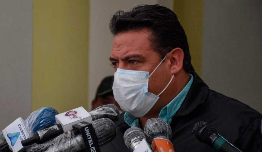 Revilla señala que junto a El Alto y dos gobernaciones se gestiona comprar un millón de vacunas