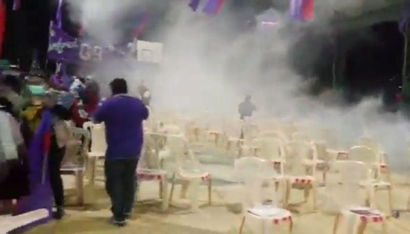 Gasifican concentración del candidato Reyes Villa en Cochabamba