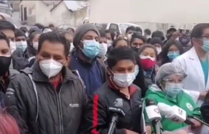 La Paz: Médicos, maestros urbanos y cocaleros sellan pacto de unidad
