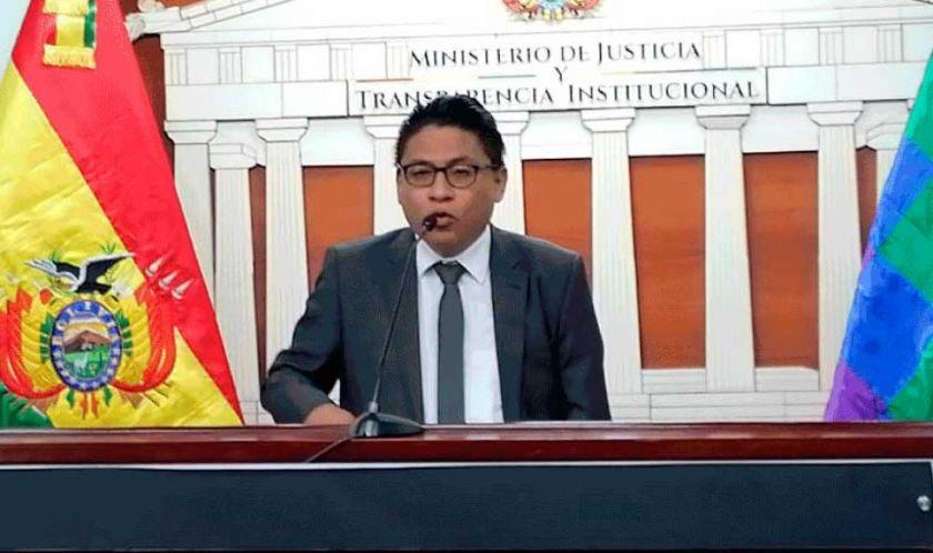 Ministro de Justicia pide informes a tribunales sobre caso Manfred Reyes Villa