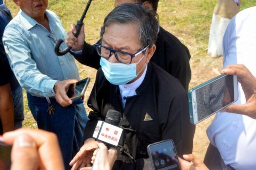 Reportan que hay cCinco muertos en protestas de Birmania, donde se postergó audiencia de Suu Kyi