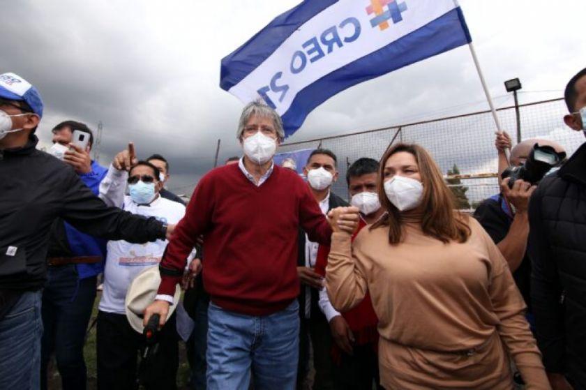 Autoridad electoral de Ecuador confirma a Arauz y Lasso para balotaje presidencial