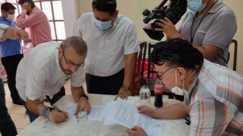 Cívicos cruceños suspenden reunión de autoridades electas por ausencia del eje central